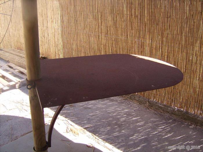 parasol bois armature m tallique couverture roseaux de camargue table tournante pour parasol. Black Bedroom Furniture Sets. Home Design Ideas